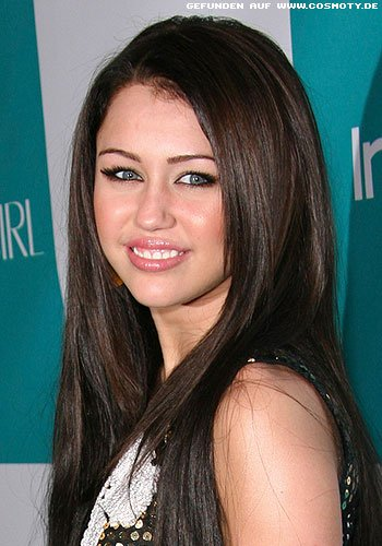Frisuren Bilder Miley Cyrus Mit Glattem Sleek Look Frisuren Haare
