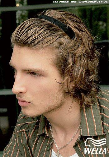 Mit Haarband gebändigte Naturlocken für Ihn