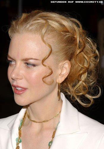 Nicole Kidman mit streng gebundenen Locken