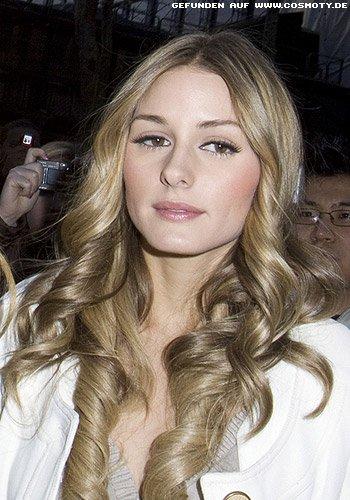 Olivia Palermo mit dicken Korkenzieherlocken
