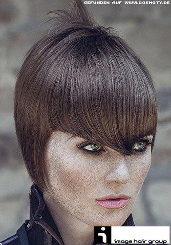 Pilzkopf im Sleek-Look mit längeren Seitenpartien