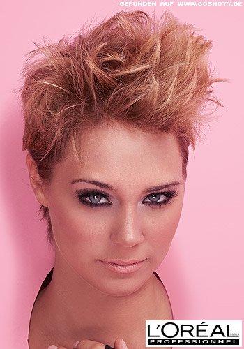 Rockig-frecher Punk-Look für kurzes Haar