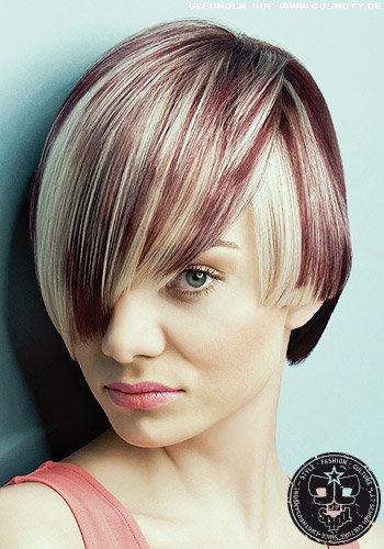 Frisuren Bilder Rote Und Blonde Strähnen In Lässigem Bob Frisuren