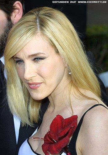 Frisuren Bilder Sarah Jessica Parker Mit Blondem Sleek Look