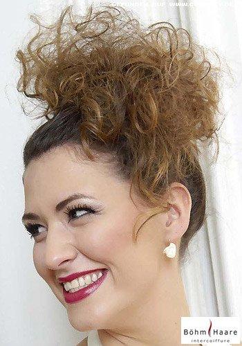 Frisuren Bilder Seitlich Gesteckter Locken Tuff Frisuren Haare