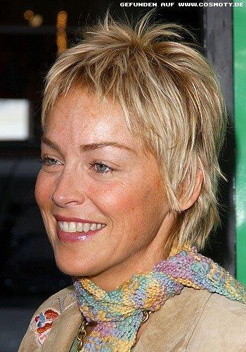 Sharon Stone mit gestuftem Kurzhaarschnitt