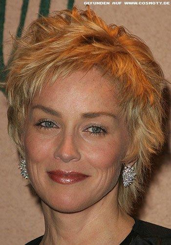 Sharon Stone mit unregelmässig geschnittenen Short-Cut