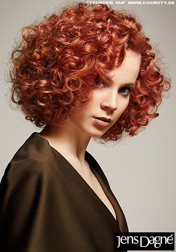 frisuren bilder stufen bob aus kleinen locken frisuren haare. Black Bedroom Furniture Sets. Home Design Ideas