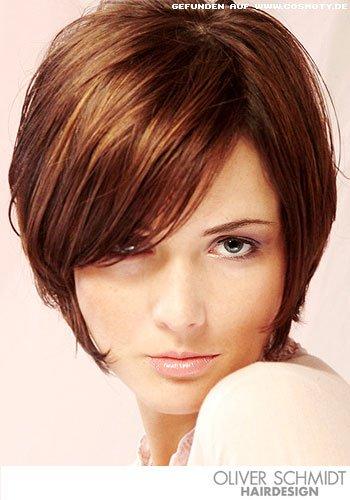 Frisuren Bilder Stufiger Bob Im Seventies Look Frisuren Haare
