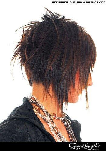 Stufiger Bob mit zusätzlichen Haarsträhnen