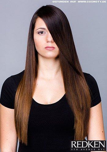 Superglattes Haar mit sanftem Farbverlauf von dunkel zu hell