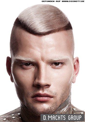 Superkurz rasiertes Haar mit stark getrennter blond-braun Colorierung