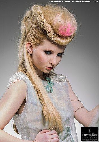 frisuren bilder: Üppige hochsteckfrisur mit geflochtenen