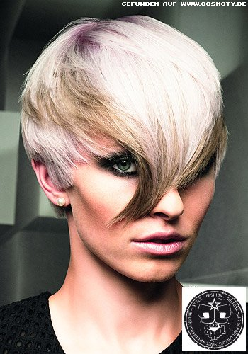 Frisuren Bilder Verschiedene Blond Tone Betonen Den Spitz Gestylten