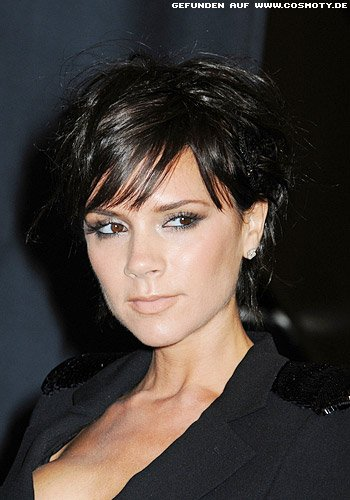 Frisuren Bilder Victoria Beckham Mit Definierten Strähnen Im Short