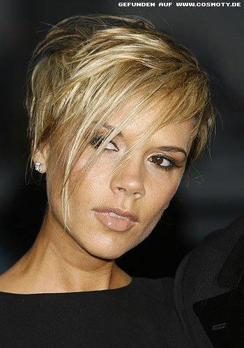 Victoria Beckham mit stylischem Kurz-Bob
