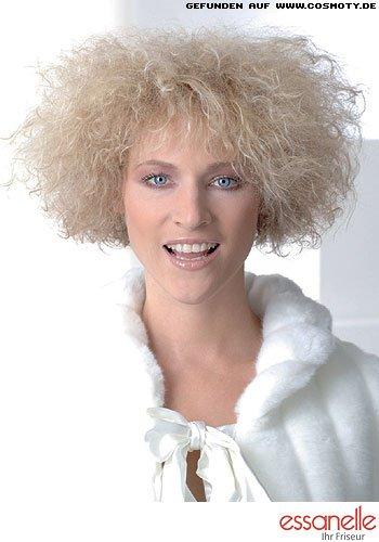 Zarter Afro-Look mit kinnlangen Haaren