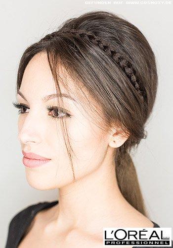 Zopf zum stark betonten Hinterkopf mit zartem, geflochenen Haarband
