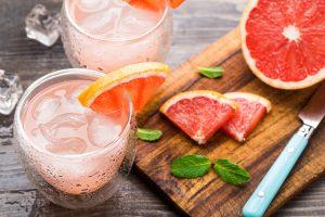grapefruit fruechte und saft
