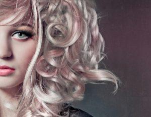 Pastellfarben Haare pink auf blond