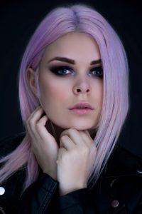 Haare pastell färben ist schön in flieder violett oder weiß
