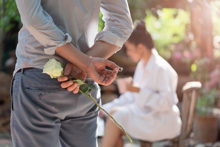 Verlobungsring kaufen: Häufige Fragen und Tipps