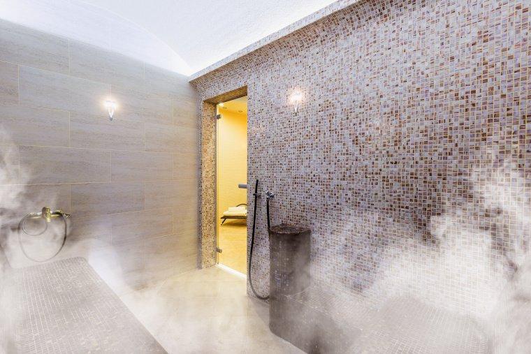 Eine sehr beliebte Sauna für Zuhause ist die Dampfsauna, auch Dampfbad genannt.